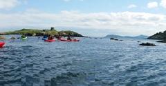 Kayaking-group-panoramic-shot