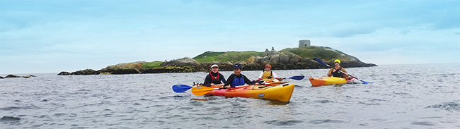 family-Kayaking